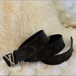Louis Vuitton Accessories - Louis Vuitton Initiales Monogram Reversible Belt